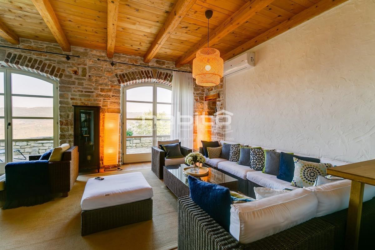 Parenzo 19 Km Zona Vizinada Villa In Pietra Con Piscina E Ampio Giardino Vista Panoramica 01176 Habito Agenzia Immobiliare Visignano Istria