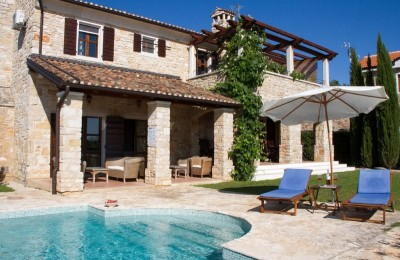 Porec 17 km - Luxury stone villa with a view of the sea, olive groves and vineyards