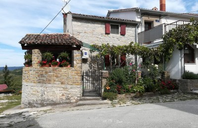 MOTOVUN area - Renovated stone house with panoramic views