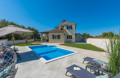 Porec 10 km, Tar area - Detached house with swimming pool 5 km from the sea!