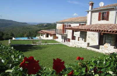 MOTOVUN area - OPPORTUNITY !! Stone house with 3 apartments + swimming pool + open view